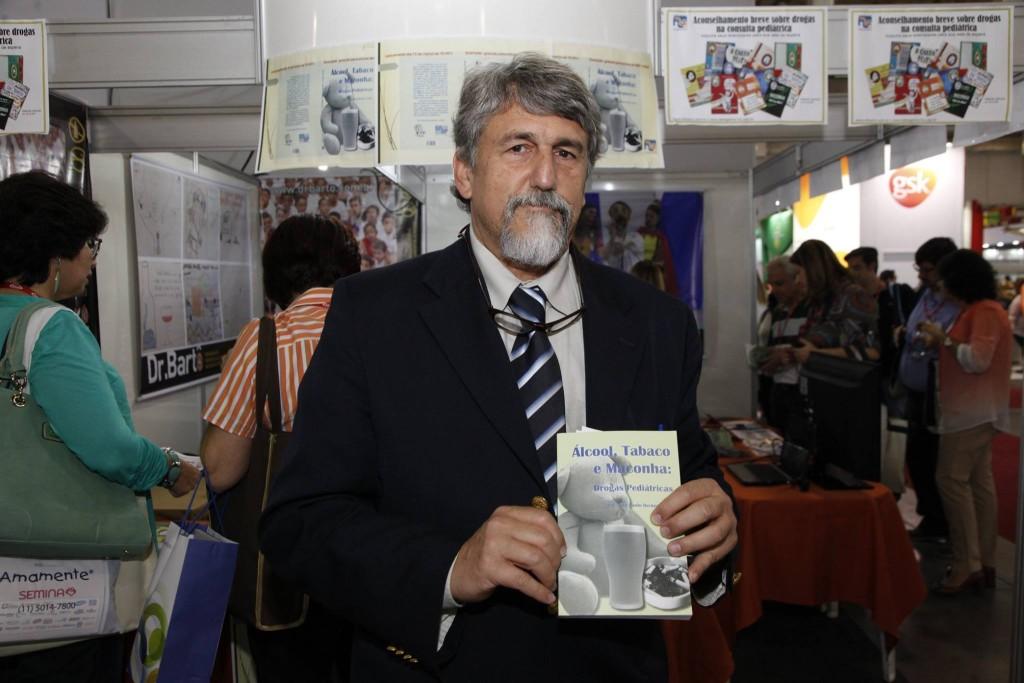 Dr. Lotufo durante o lançamento do livro, 14º Congresso Paulista de Pediatria