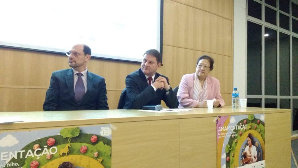 Dr. Moises Chencinski, Dr. Hamilton Robledo. coordenador da atividade, e Dra. Keiko Teruya, palestrante do evento