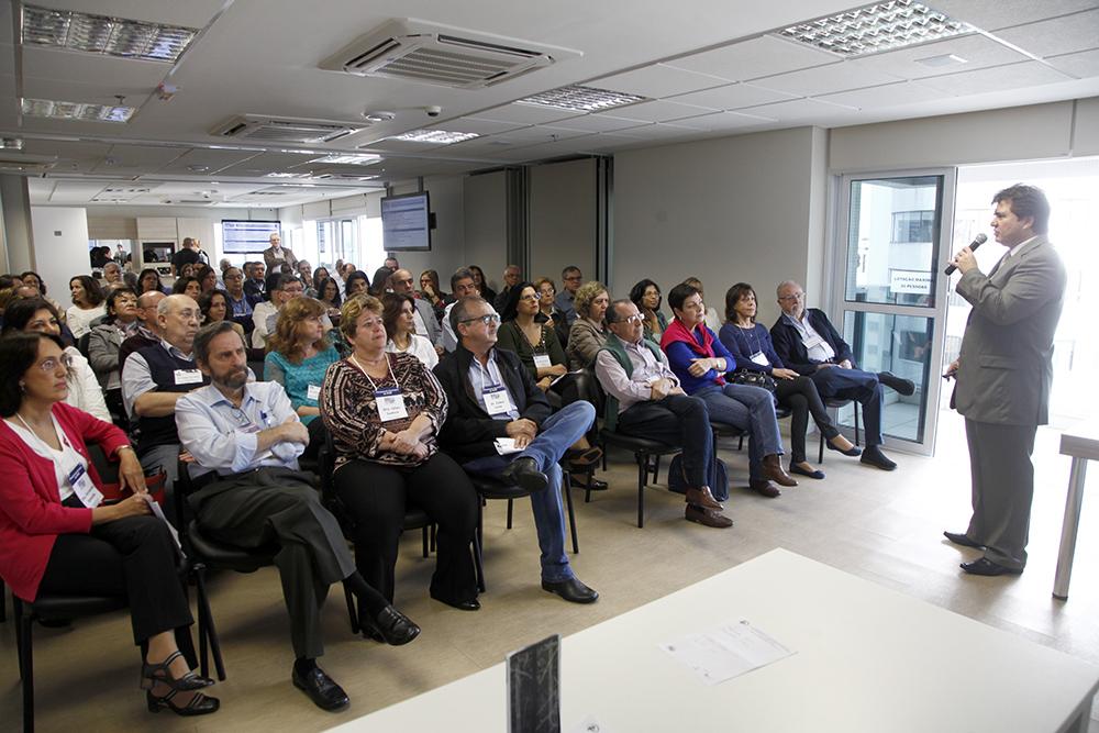 Claudio Barsanti, presidente da SPSP, faz sua apresentação para os membros da diretoria presentes no Planejamento Estratégico.